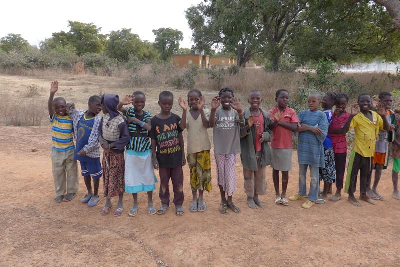 Schulkinder in leo Burkina Faso 2015