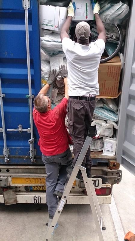 Containerbeladung30-06-2017-Rumstadt (5)