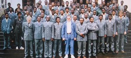 002-Tansania 1987 Uniformen