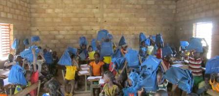 027-Burkina Faso-2012-Blaue Taschen